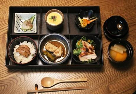 Boston, MA - 11/20/18 - Kamakura bento ruby Food/scene at Kamakura, 150 State Street, Boston Photo by Pat Greenhouse/Globe Staff Topic: 25quickbiteArts Reporter: Kara Baskin
