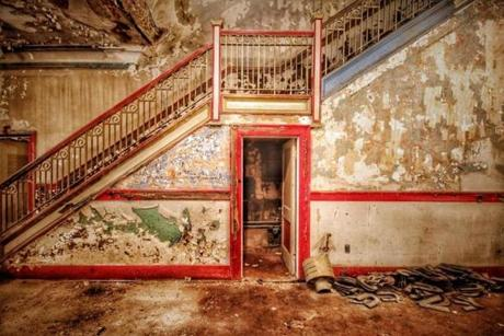 "31abandoned - The staircase at the Everett Square Theatre, built as a Òmoving picture"" house that also hosted vaudeville and musical performances, is pictured. It closed in the 1980s. (Jason Baker)"