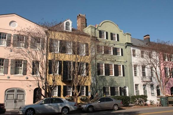 Charleston s c a 3 day getaway travel the boston globe for Charleston row houses