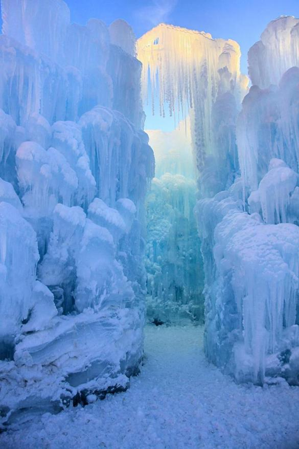 Ice Castles At Loon Mountain Travel The Boston Globe