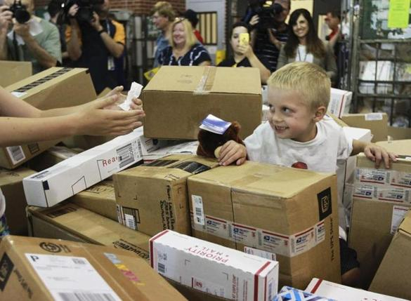 Foxborough boy with brain tumor gets 100,000 cards and packages on his 6th birthday - The Boston Globe
