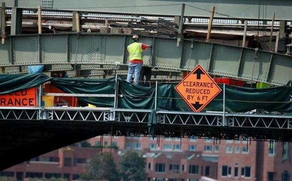 The Longfellow Bridge is undergoing a restoration project that is scheduled to end in 2018.