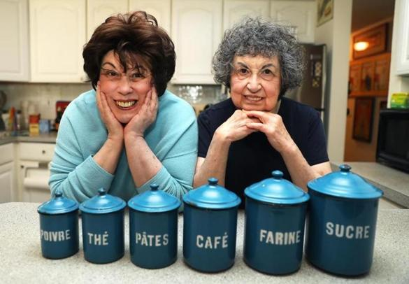 "Sisters Marilynn (left) and Sheila Brass star in the PBS show ""Food Flirts."""