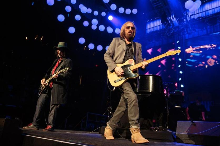 Boston, MA - 07/20/2017: Tom Petty and guitarist Mike Campbell, left, perform during the Tom Petty & The Heartbreakers 40th Anniversary Tour show at TD Garden in Boston on July 20, 2017. (Ben Stas for The Boston Globe) 12PerfectPop