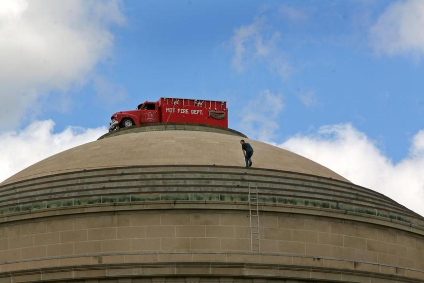 A fake MIT fire truck was placed atop the dome in 2006, similar in style to the 1994 police car hack.