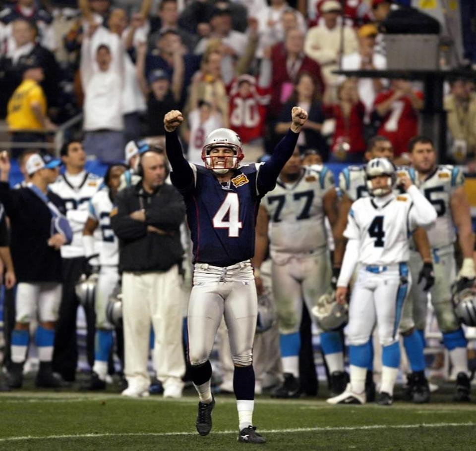 Adam Vinatieri paved the way to a Super Bowl win for the Patriots with a field goal in the final seconds.