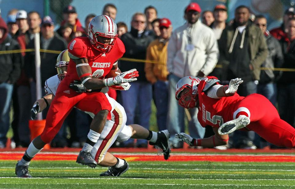 Catholic Memorial running back/defensive back Armani Reeves will sign a National Letter of Intent at a press conference at Ohio State tomorrow, Knights coach/athletic director Alex Campea said.