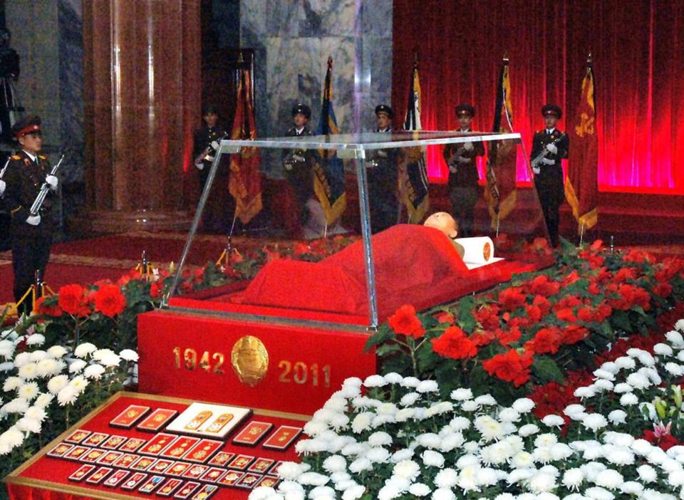 The body of North Korean leader Kim Jong Il was displayed in a glass coffin in Pyongyang today.