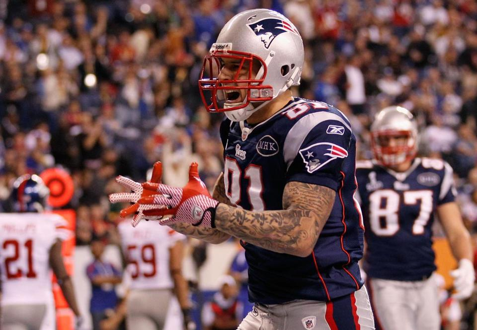 Aaron Hernandez scored a touchdown on the Patriots' first possession of the second half.