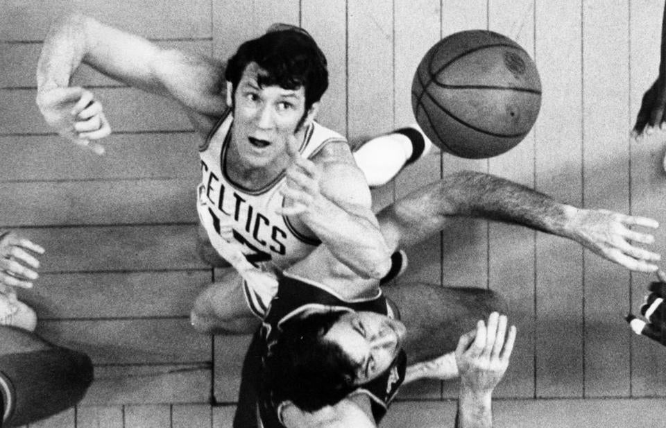 3/7/1971.. Celtics vs. New York, John Havlicek and Bill Bradley - John Havlicek - 1963-1974 - OPS SportsBookCeltics / bw