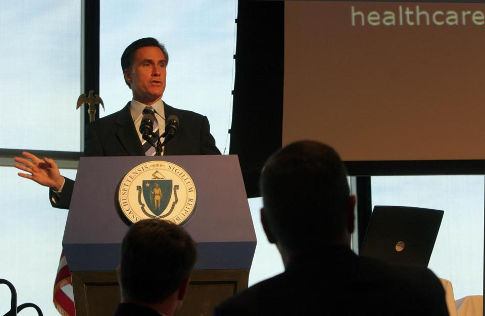 "06/21/05 Boston, Mass. JFK LIbrary Released today at a health care leadership summit, the ""Roadmap to Coverage"" report offers 2 viable paths to achieve universal coverage in the state. It focuses immediate attention on the greatest need, making health coverage more affordable for small employers and low wage workers. In this photo, Gov. Mitt Romney explains the plan. Library Tag 06222005 Metro"