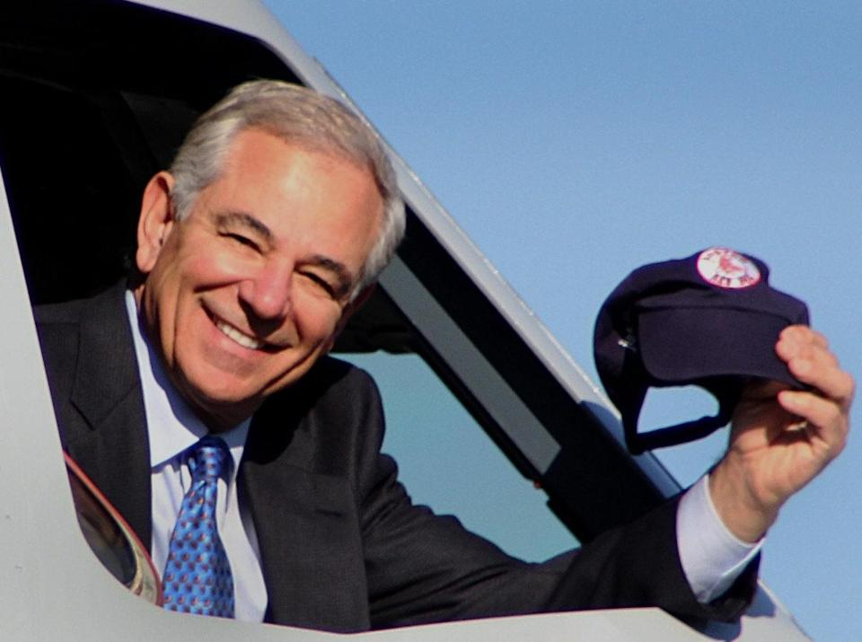 Bobby Valentine helped JetBlue promote its partnership with the Red Sox last week.