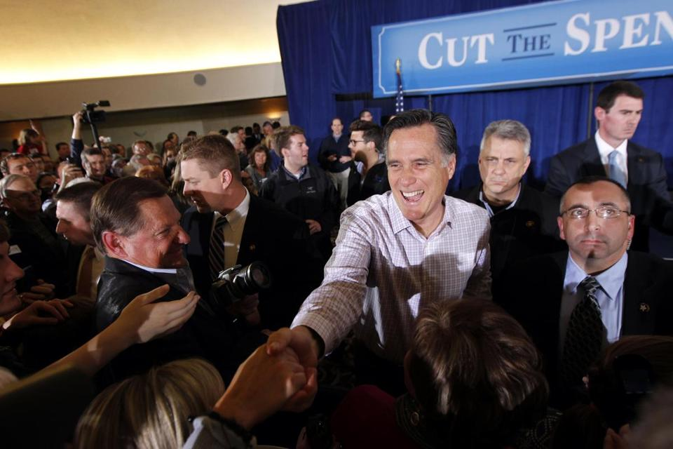 In the final hours before tomorrow's all-important Republican primary here, Mitt Romney is casting himself as the scrappy underdog.
