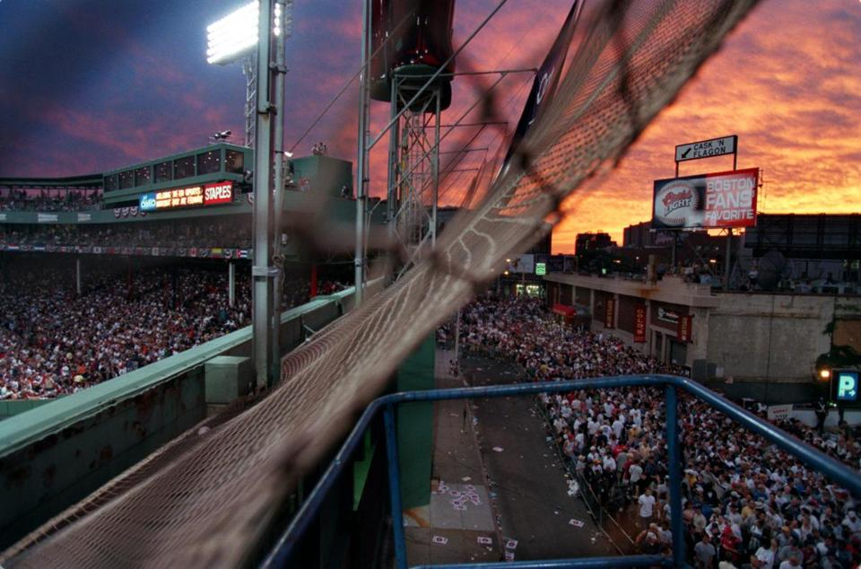 Fans lined Lansdowne Street behind the Green Monster during the home run derby in 1999.