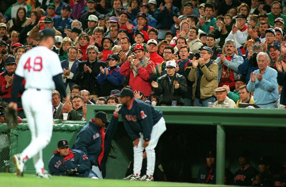 Fans cheered Tim Wakefield, who went 16-8 during the regular season, after he was lifted from the playoff game.