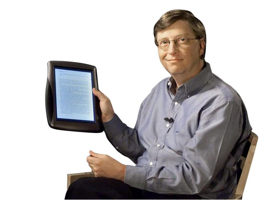 "Bill Gates presents what was called a ""tablet PC"" at Microsoft headquarters in 2000."