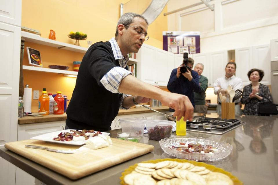 Michael Natkin in the How2heroes test kitchen in Cambridge.