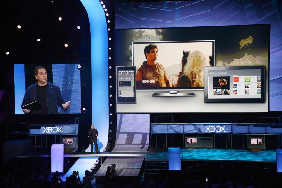 Microsoft introduced SmartGlass technology for the Xbox 360 console.
