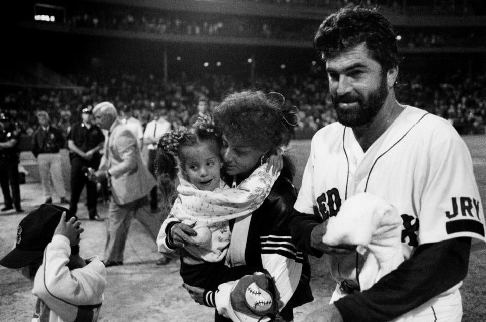 Jeff Reardon's family greeted him on the field after he recorded the milestone save.