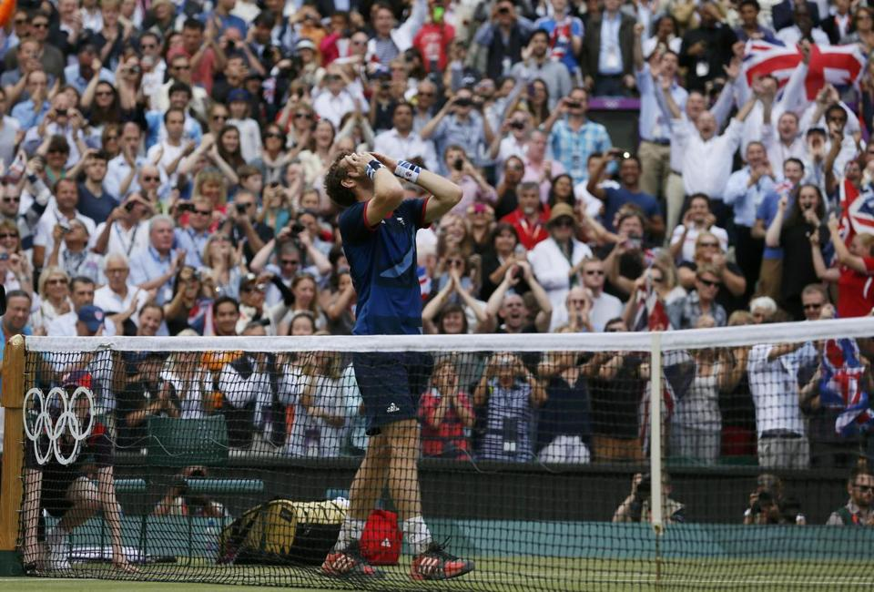 Andy Murray reacted after defeating Roger Federer in the men's singles tennis final.