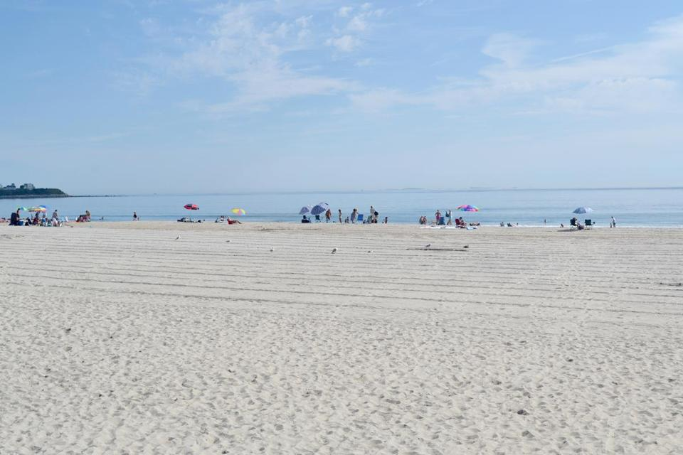 Hampton Beach early in the day.