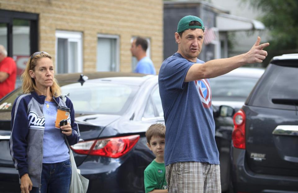Taxi drivers Nancy Kjersgard of Wakefield and John Stelmach, of Malden, shown with his son, Matthew, 4, were eyewitnesses to Monday morning's shooting in Malden.