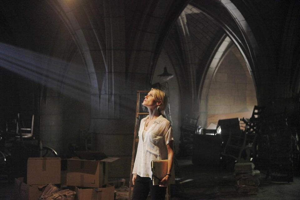 "Rachael Taylor stars as Jane, an architect/historian who makes some troubling discoveries in ""666 Park Avenue."""