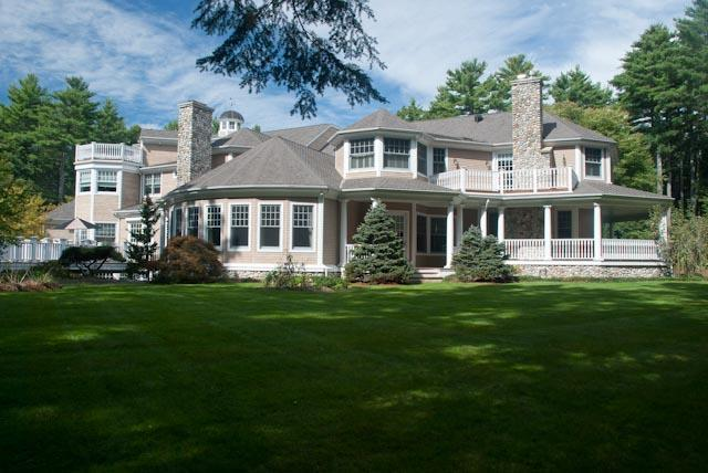 Former Red Sox pitcher Curt Schilling and his wife had tried to sell their Medfield home in 2008. Their lawyer says they want to downsize.