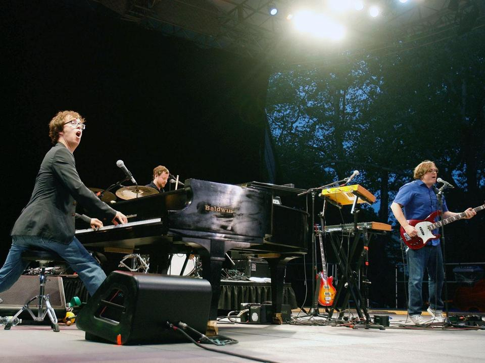 Ben Folds Five (here in New York in September) has reunited for a tour that stopped Saturday at the House of Blues.