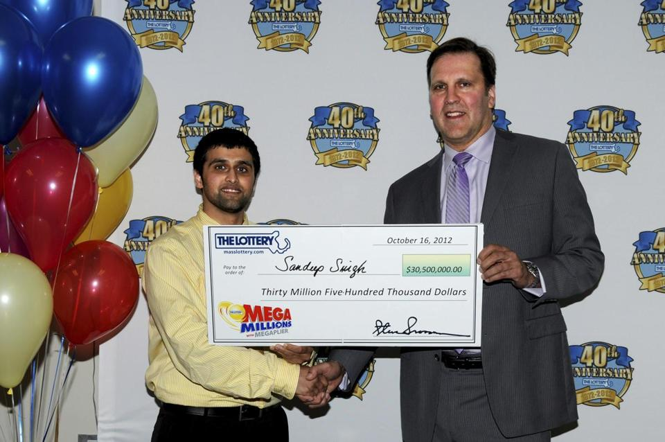 Sandeep Singh, de 22 años, de Hyannis, ganó un premio mayor de $ 30,5 millones de Mega Millions ..