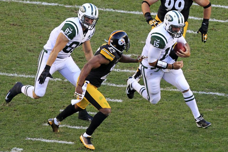 Tim Tebow (15) may be carrying the ball more this Sunday as the Jets' backfield is decimated by injuries.