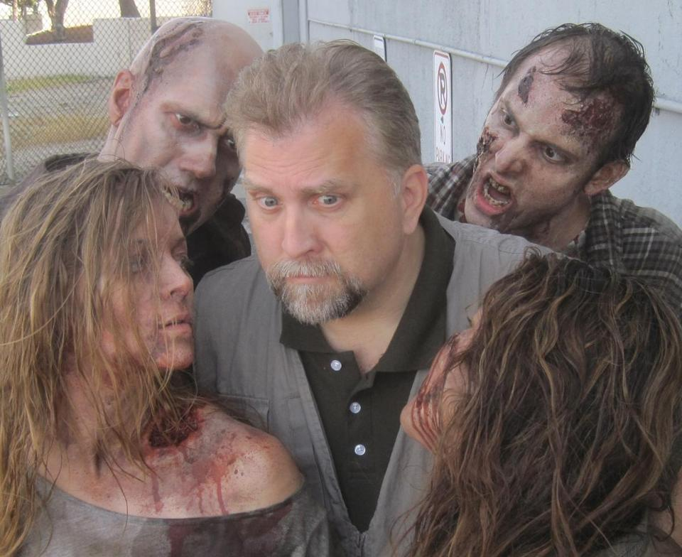 Daniel Roebuck hangs out with some zombies.