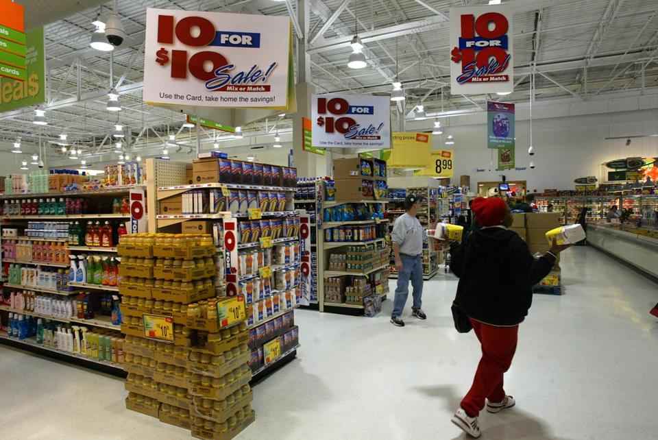 A spokeswoman for Albertson's LLC said Shaw's and Star Market are expected to keep their brand names.
