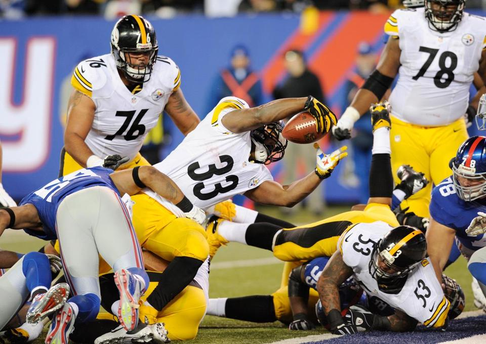 The Giants and Steelers played in storm-ravaged New Jersey, and fans were treated to a game that was decided by Isaac Redman's late touchdown.