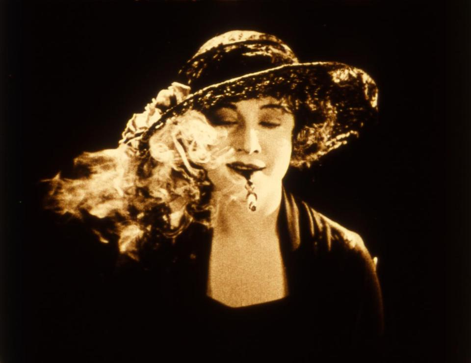 "Betty Compson played twins in ""The White Shadow."" Here is Compson as the good-girl Georgina."