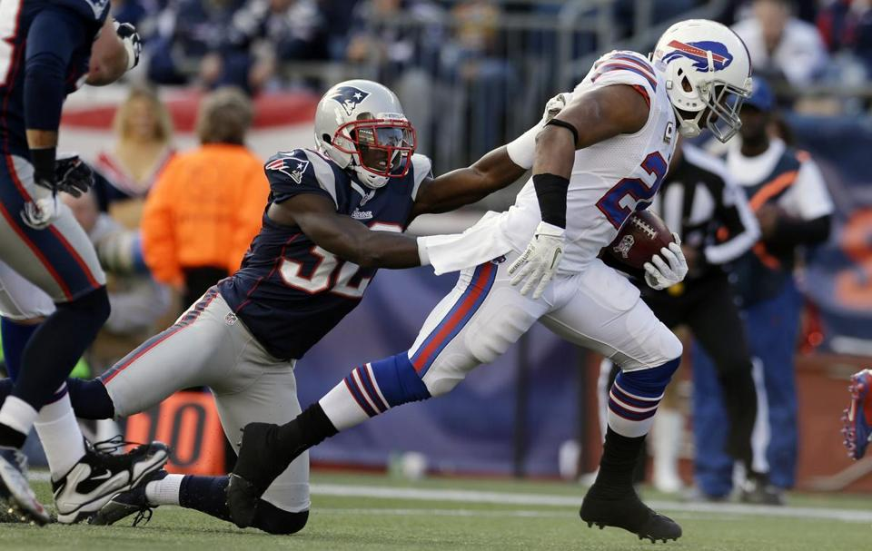 Bills running back Fred Jackson beat Patriots cornerback Devin McCourty for a touchdown during the second quarter.