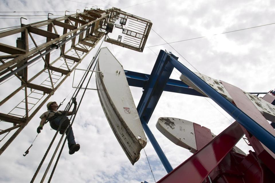 A report by the International Energy Agency also said the United States will become a net oil exporter by 2030 and become world's top producer of natural gas by 2015.