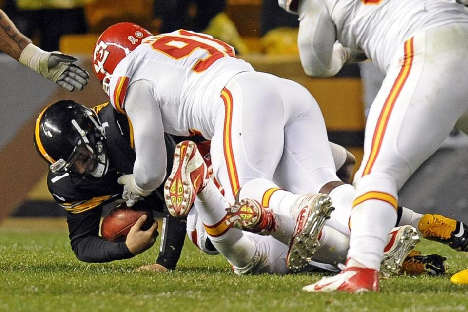 Ben Roethlisberger left early in the third quarter after getting slammed to the turf by Kansas City linebackers Tamba Hali and Justin Houston.