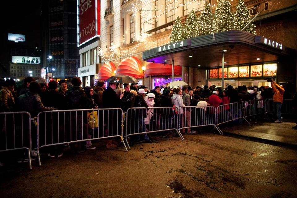 Shoppers in Manhattan lined up at Macy's last year. To relieve stress for the crowd this year, there will be restrooms, a heated tent, phone-charging stations, and Di-gel samples.