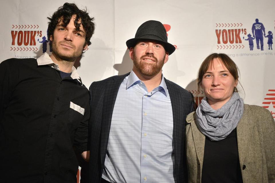 Kevin Youkilis (center) with musicians Will Dailey and Audrey Ryan at Royale Thursday.