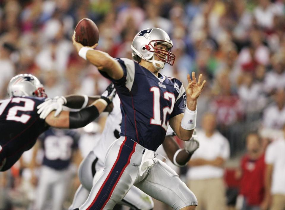 Tom Brady threw two touchdown passes against the Raiders.