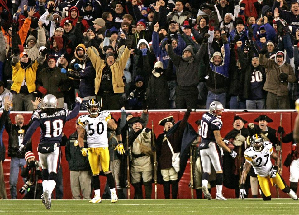 The crowd erupted when Jabar Gaffney scored this third-quarter touchdown on a 56-yard strike from Tom Brady.