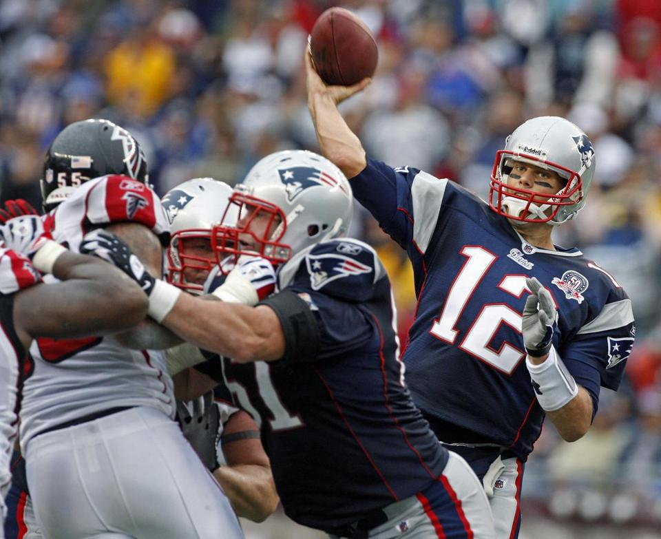Tom Brady hit Randy Moss for a 21-yard gain on this fourth-and 3 in the fourth quarter.