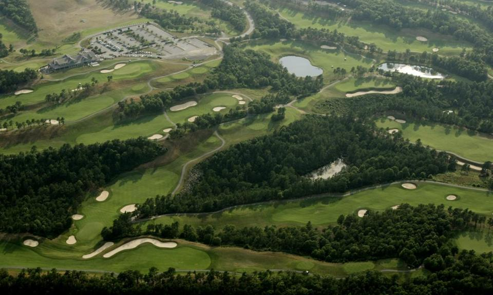 Aerial view of the Waverly Oaks Golf Club property, where a proposed development would replace a nine-hole course with 113 homes.