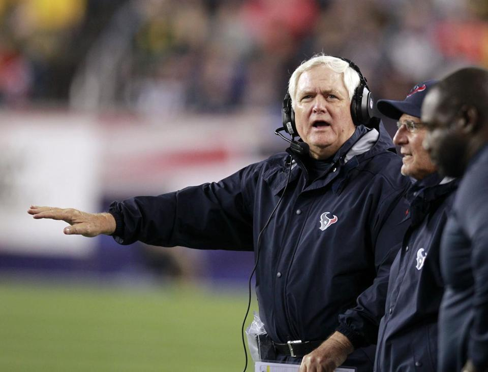 Wade Phillips watched his defense fail in a 42-14 loss to the Patriots last month.