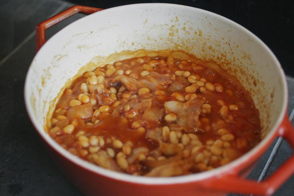 Quick baked beans on the fire.