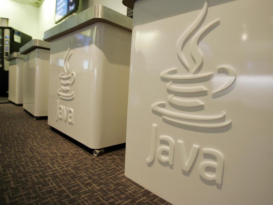 On Sunday, Oracle released a patch for a security hole in Java that could let hackers take control of computers.