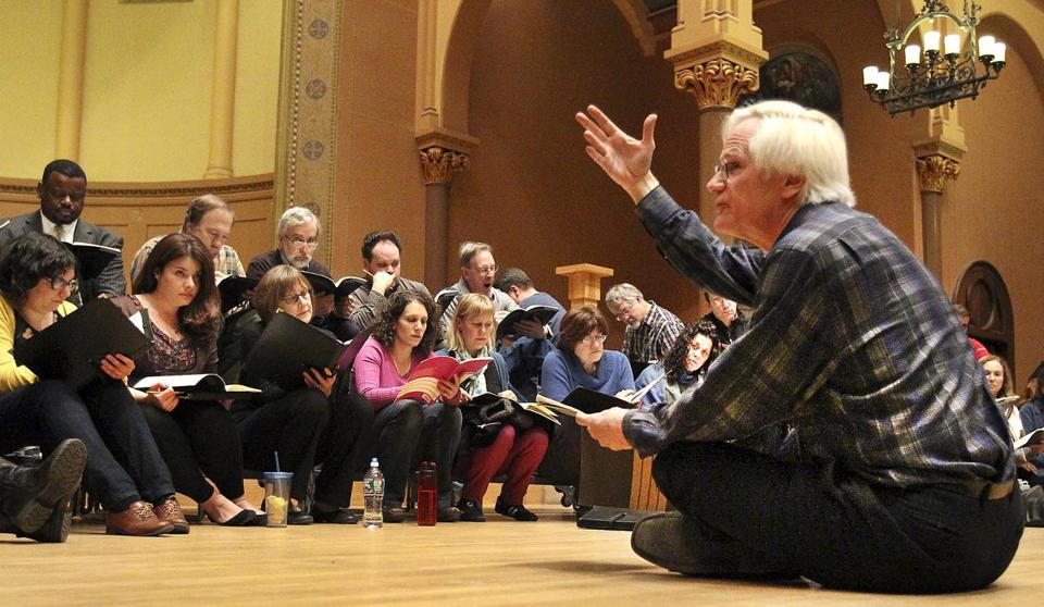 David Hoose (right) during rehearsal with the Cantata Singers at First Church in Cambridge, Congregational.