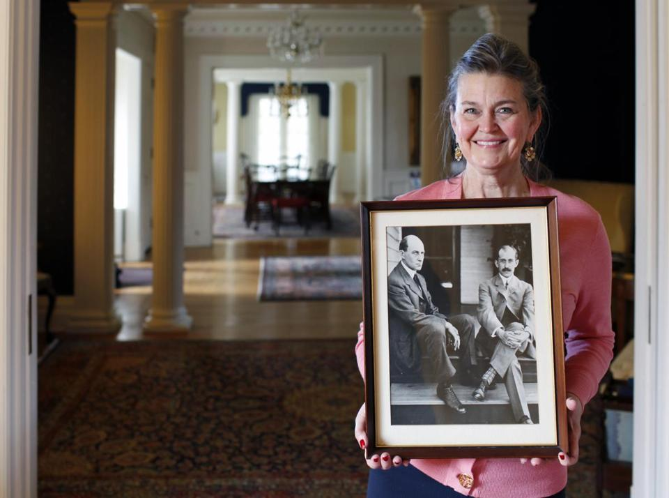 Amanda Wright Lane, a great grandniece of Wilbur and Orville Wright, in Orville's mansion.