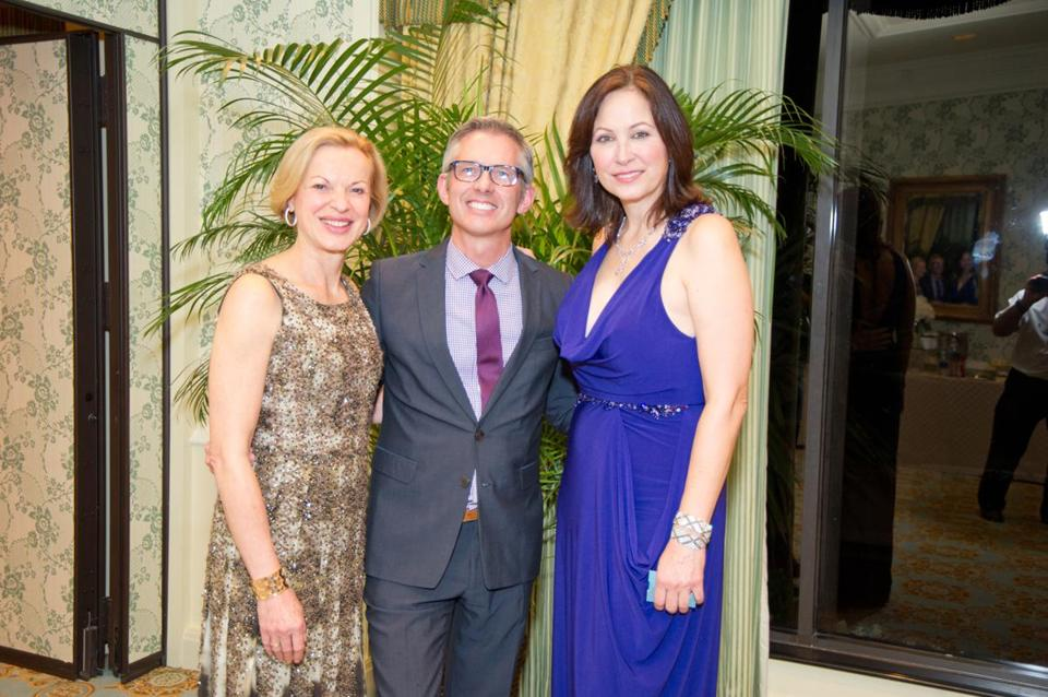 Dr. Betsy Nabel (left), Bryan Rafanelli, and Linda Eder at the annual Palm Beach Dinner.